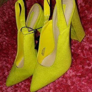 Block heel suede pumps